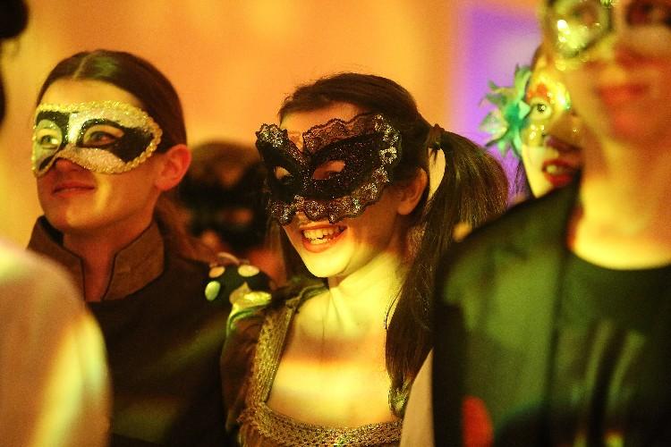 Inguracisko-karnevalski bal(in) u Kneževićevoj palači, foto Fabio Šimićev 02-750x500