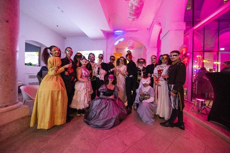 Inguracisko-karnevalski bal(in) u Kneževićevoj palači, foto Fabio Šimićev 08-750x500