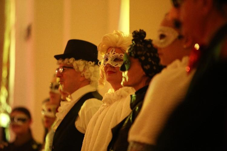 Inguracisko-karnevalski bal(in) u Kneževićevoj palači, foto Fabio Šimićev 13-750x500