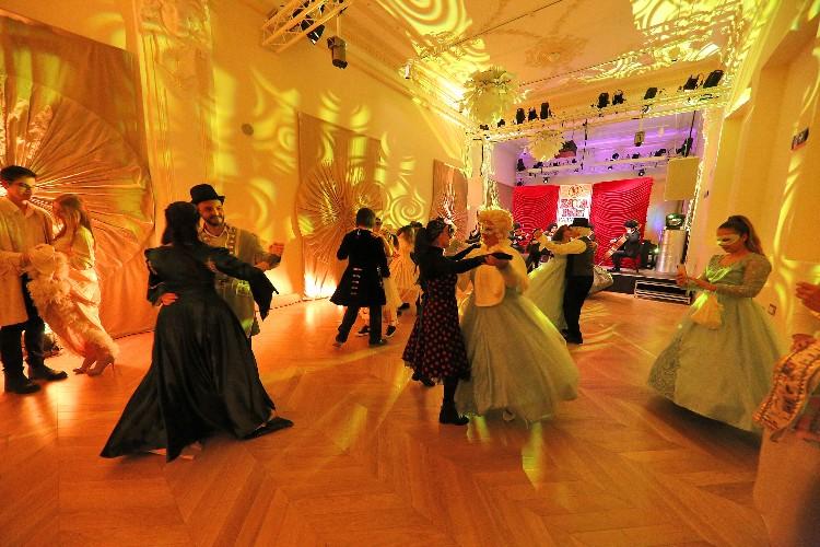 Inguracisko-karnevalski bal(in) u Kneževićevoj palači, foto Fabio Šimićev 25-750x500