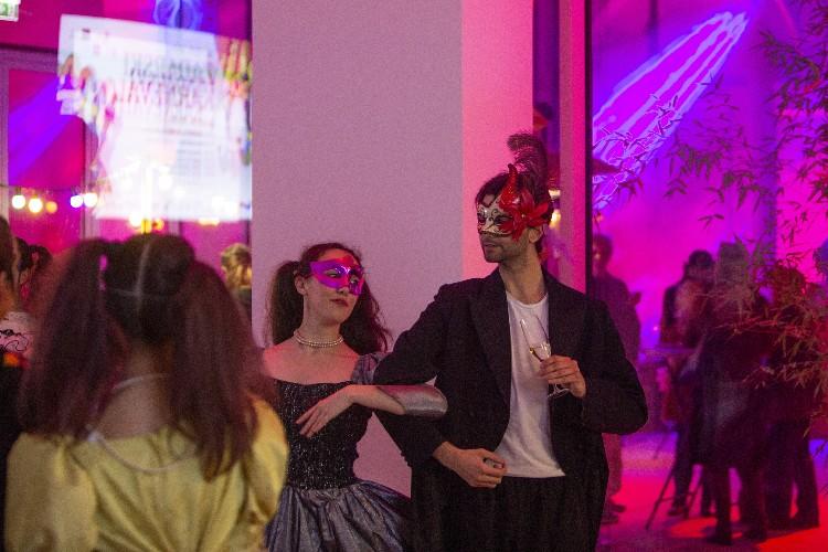 Inguracisko-karnevalski bal(in) u Kneževićevoj palači, foto Fabio Šimićev 07-750x500