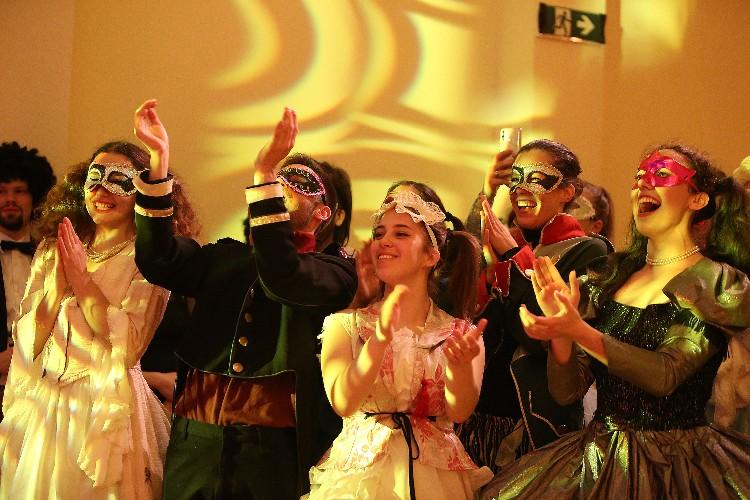 Inguracisko-karnevalski bal(in) u Kneževićevoj palači, foto Fabio Šimićev 35-750x500