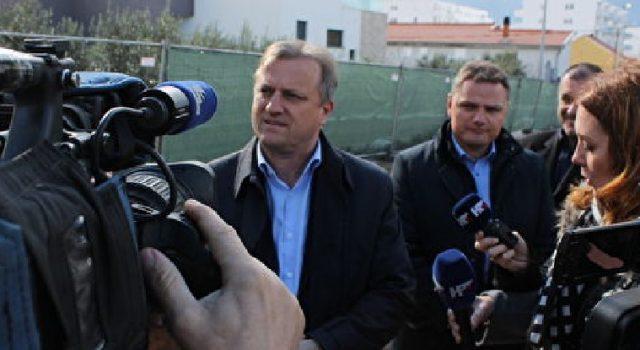 GrGradonačelnik Dukić sa suradnicima obišao gradilišta po gradu