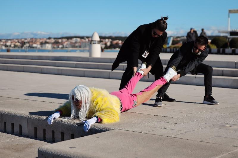 Rita Ora u obilasku grada Zadarski karneval 20.02.2020 04-800x533