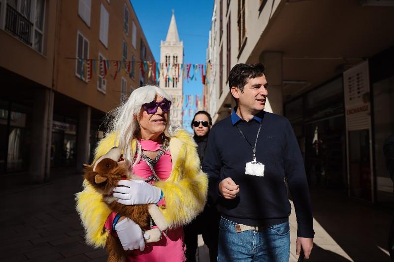 Rita Ora u obilasku grada Zadarski karneval 20.02.2020 11-800x533