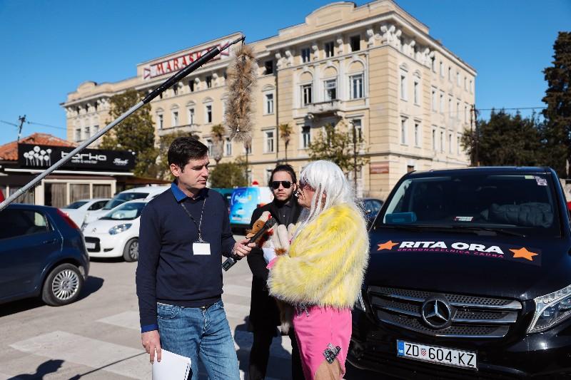 Rita Ora u obilasku grada Zadarski karneval 20.02.2020 24-800x533