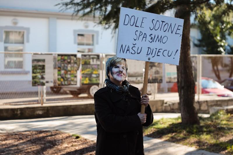 Rita Ora u obilasku grada Zadarski karneval 20.02.2020 29-800x533