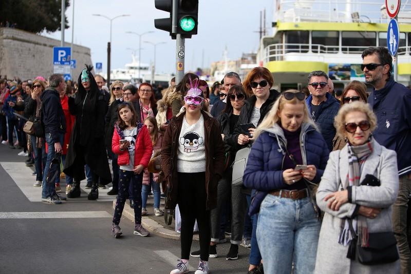 Velika karnevalska povorka Zadarski karneval 23.02.2020, foto Fabio Šimićev 2 092-800x534