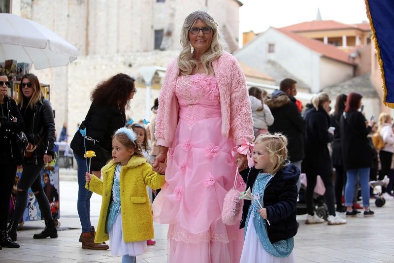 Velika karnevalska povorka Zadarski karneval 23.02.2020, foto Fabio Šimićev 2 131-800x534