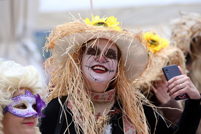 Zadarski karneval 2020. primopredaja vlasti & Valentinovo 14.02, foto Fabio Šimićev 03-800x534