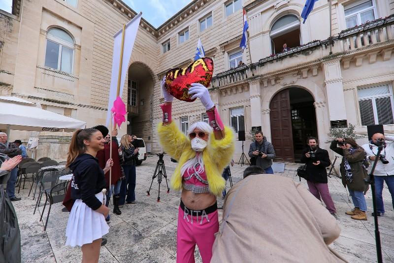 Zadarski karneval 2020. primopredaja vlasti & Valentinovo 14.02, foto Fabio Šimićev 10-800x534