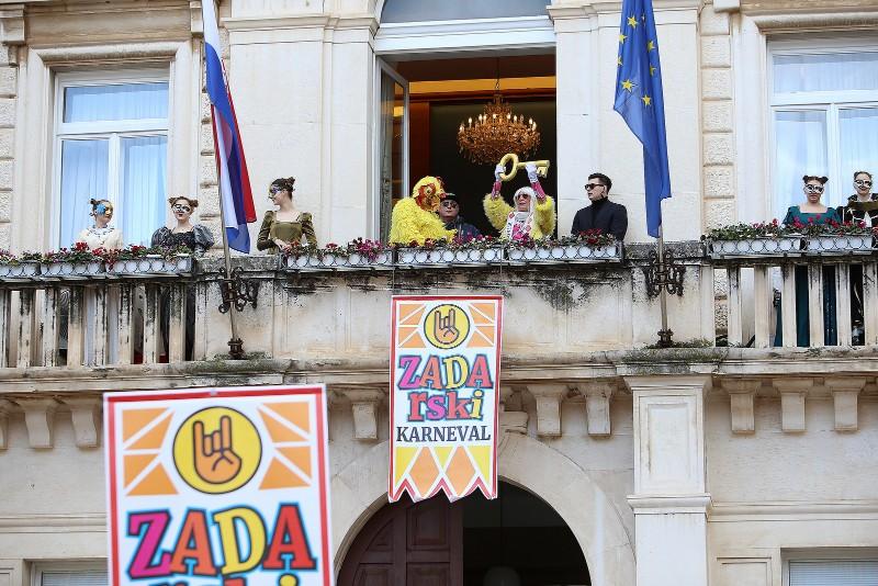 Zadarski karneval 2020. primopredaja vlasti & Valentinovo 14.02, foto Fabio Šimićev 17-800x534