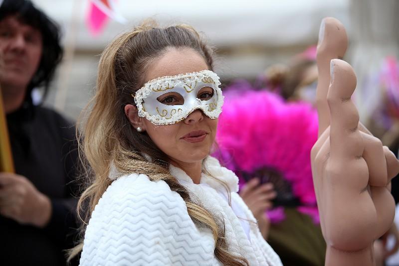 Zadarski karneval 2020. primopredaja vlasti & Valentinovo 14.02, foto Fabio Šimićev 21-800x534