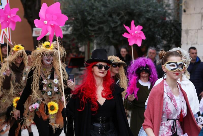 Zadarski karneval 2020. primopredaja vlasti & Valentinovo 14.02, foto Fabio Šimićev 34-800x534