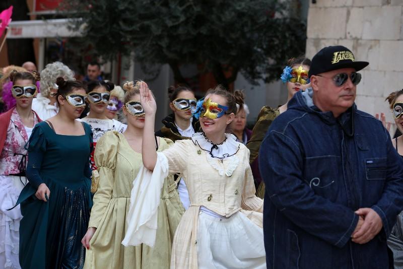 Zadarski karneval 2020. primopredaja vlasti & Valentinovo 14.02, foto Fabio Šimićev 23-800x534