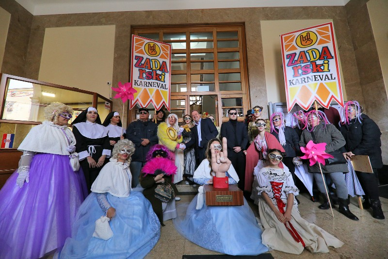 Zadarski karneval 2020. primopredaja vlasti & Valentinovo 14.02, foto Fabio Šimićev 29-800x534