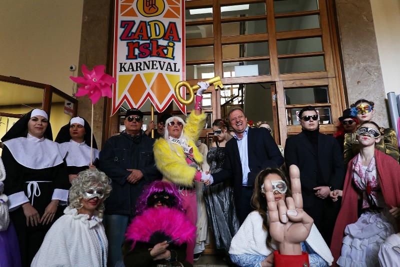Zadarski karneval 2020. primopredaja vlasti & Valentinovo 14.02, foto Fabio Šimićev 30-800x534