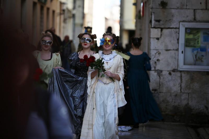 Zadarski karneval 2020. primopredaja vlasti & Valentinovo 14.02, foto Fabio Šimićev 43-800x534