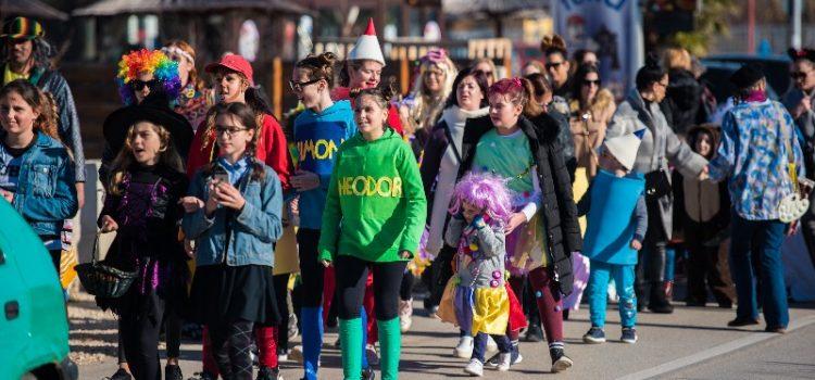 GALERIJA Maškare u Privlaci okupile brojne sudionike; Uživali i odrasli i djeca!