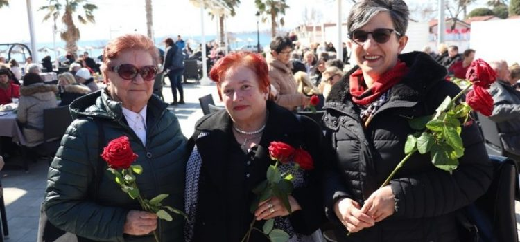 GALERIJA Crvene ruže, kava i kolači za sve virske žene