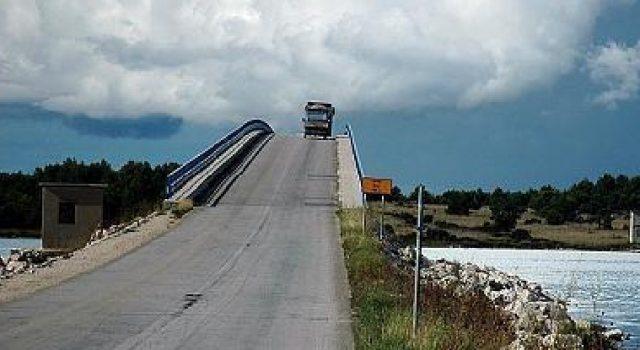 Zagrepčani ne trebaju ići na Vir; Policija ih zbog virusa neće pustiti preko mosta!