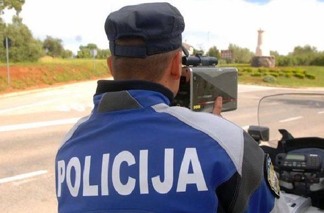 Policija kontrolirala 489 vozila i vozača; Dobili ukupno 155 kazni