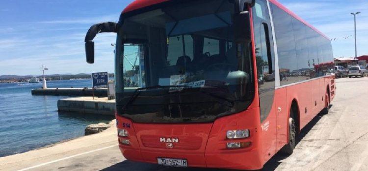 Mještani Preka ogorčeni: Vozač Liburnije tjera iz busa ljude bez maske i rukavica!