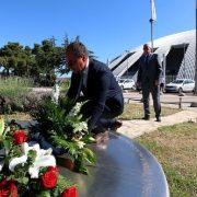 Polaganjem vijenaca i paljenjem svijeća obilježena 25. obljetnica smrti košarkaške legende Krešimira Ćosića