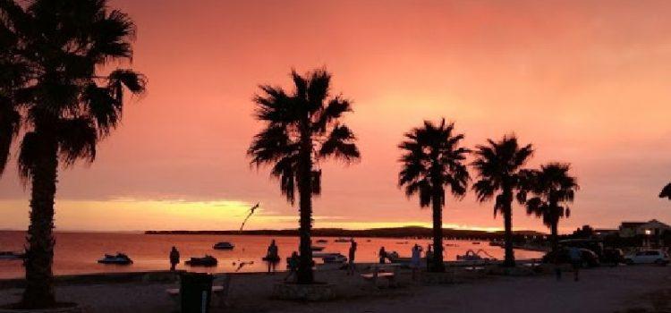 U Hrvatskoj trenutno boravi oko 33 tisuće turista, a najviše ih je na otoku Viru