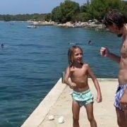 Luka Modrić s kćerkicom Emom uživa u ljetnim radostima na Jadranu