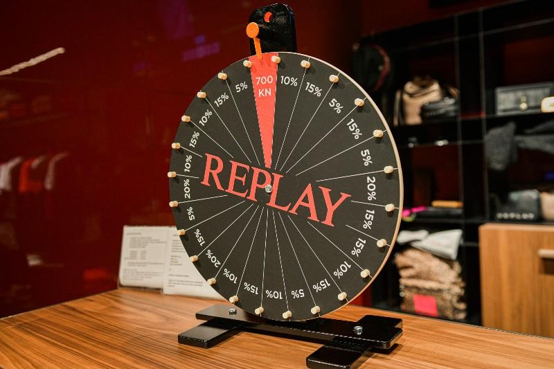 Replay-0053-800x533
