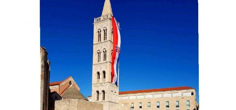 Slavi se 25. obljetnica Oluje – bez zastave na zvoniku Sv. Stošije u Zadru