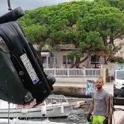 U more s Trpimirove obale sletio 60-godišnji vozač; Prošao bez ozljeda