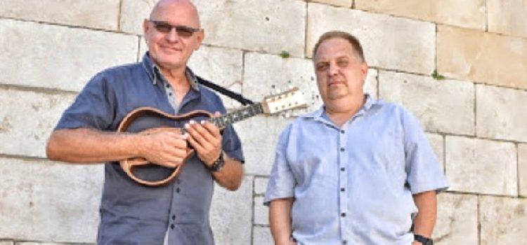 Zadrani Renato Perović i Jurica Urbanek autori prve hrvatske elektro-mandoline!
