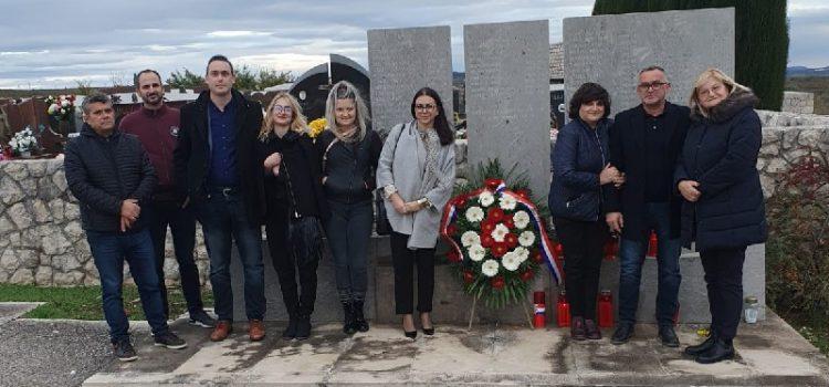 Starčevićanci položili vijenac u Škabrnji – Odali počast svim žrtvama