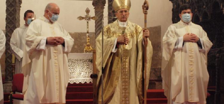 Nadbiskup Puljić predvodio je za Božić svečano misno slavlje u katedrali sv. Stošije u Zadru.