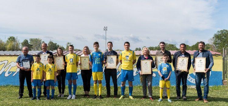 NK Sabunjar dao zahvalnice sponzorima – u školi nogometa trenira 100 djece!