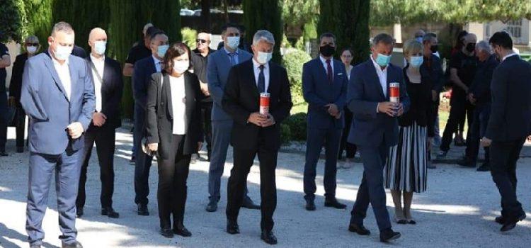 Odana počast poginulim hrvatskim braniteljima povodom Dana državnosti RH