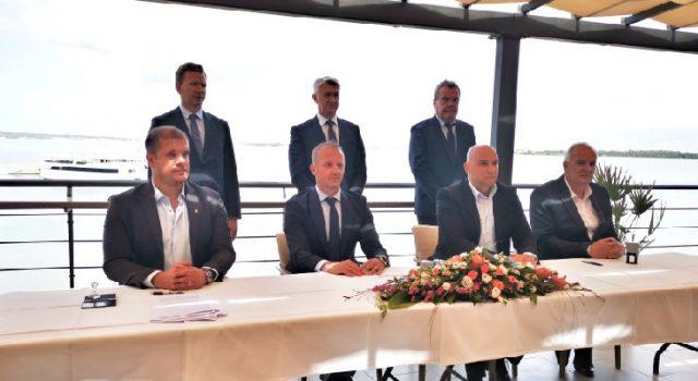 PRIVLAKA Potpisani ugovori za projekte vrijedne preko 25 milijuna kuna