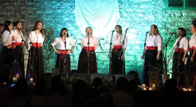 KONCERT Spalato, Bralić i Sikirić čestitali klapi Garofuli 31 godinu djelovanja