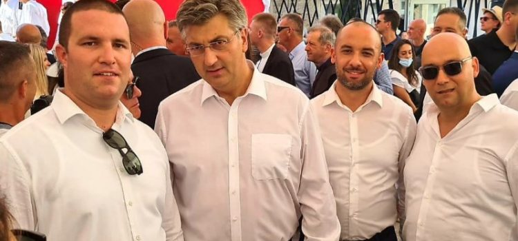 VIRANI NA SINJSKOJ ALCI Ponovo se družili s premijerom i predsjednikom