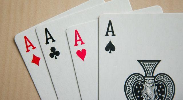 Počeci i evolucija kartaških igara