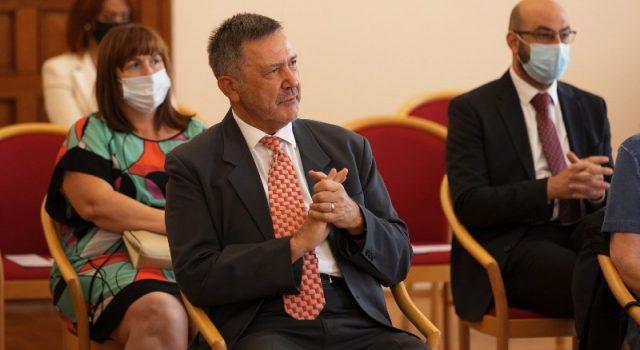 Prvom rektoru Sveučilišta Damiru Magašu uručena diploma profesor emeritus